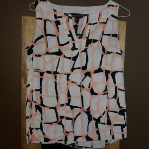 Sleeveless top great for spring!!